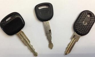 Fahrezeugschlüssel und Motoradschlüssel ohne Tanspnder